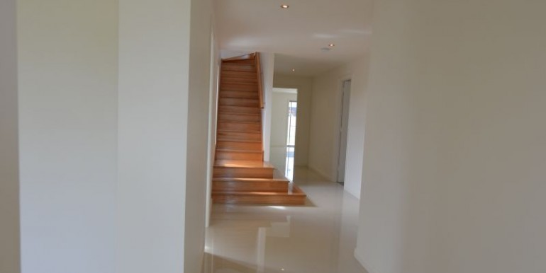 2 Gibson St stairs for Elite site